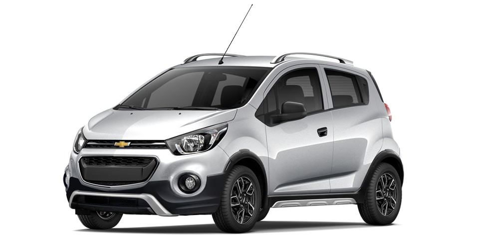 Chevrolet Beat Hatchback 2020 en color plata brillante